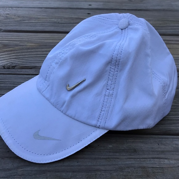 Nike Men Hat Cap White Sport Cap Baseball Hat One